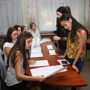 Вибори членів Студентського Уряду та представників від студентства для участі у Загальних зборах трудового колективу закладу.