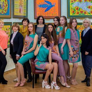 Дивні звірі Марії Примаченко поселилися в колекції одягу студентів Хортицької національної академії